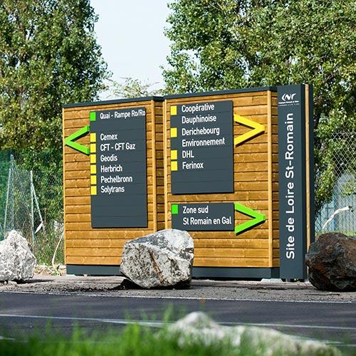 entreprises parc d'affaire cnr loire romain 42 lettres relief totem extérieur bois