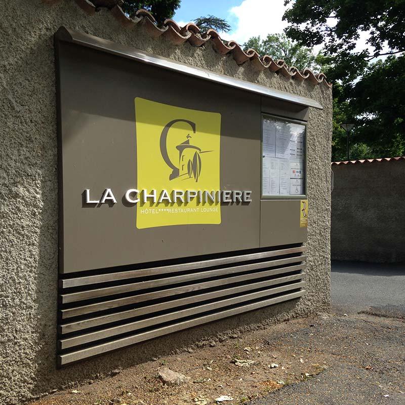 signaletique-hotellerie_charpiniere-loire