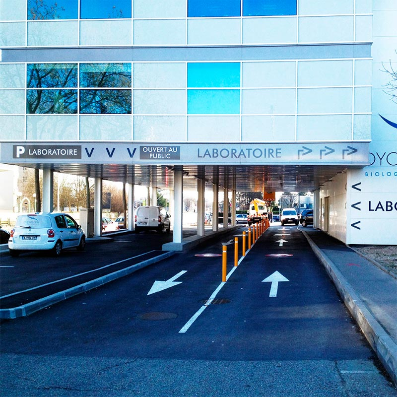 laboratoire-dyomedea_signaletique-69_acces-parkings