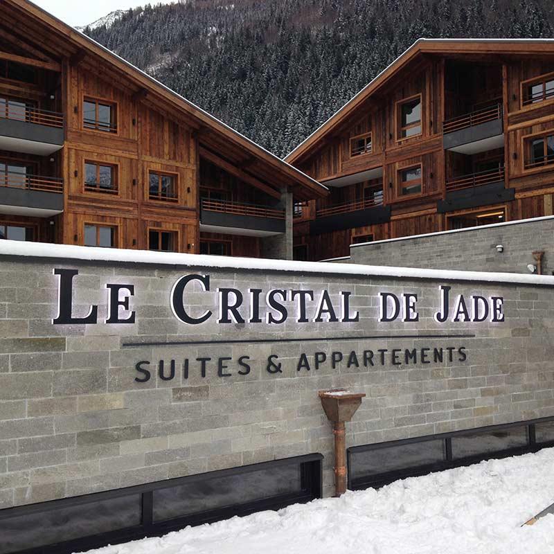 MGM-Cristal-de-jade_signaletique-74_lettres-relief