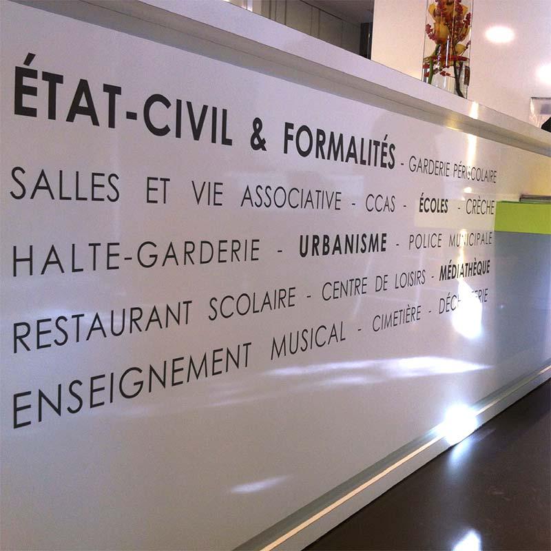 mairie-solaize_signaletique-69_banque-accueil