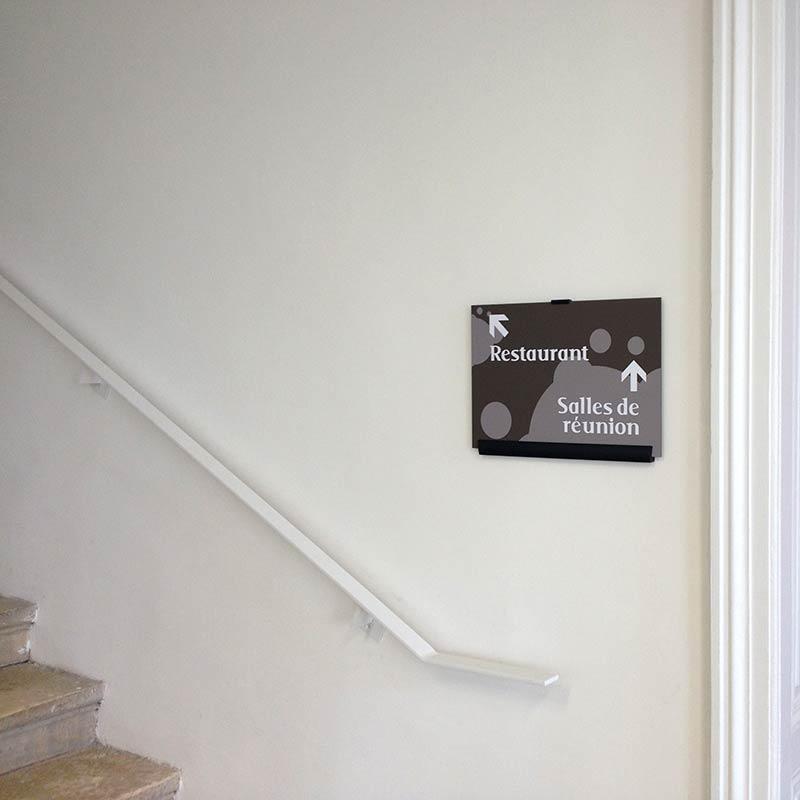 centre-clevos_signaletique-26_directionnel-escalier