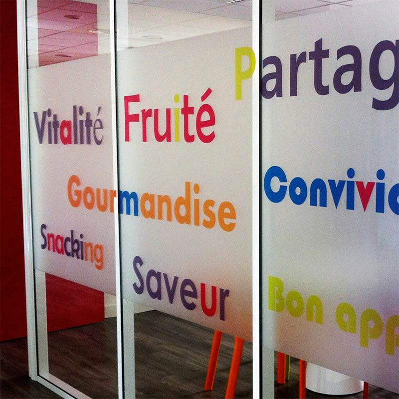 materne_signaletique-69_vitrophanie-salle-reunion